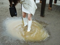 Wet &Messy Shoes Scene052