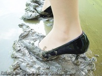 Wet &Messy Shoes Scene032