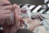 Unpublished feet soles tickling DVD while shooting jav tried focusing. [Anna]