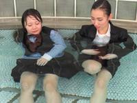 帰宅前に着衣入浴(Wet Girls 08B3)